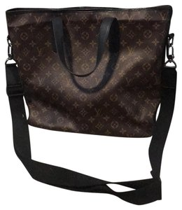 Louis Vuitton Leather Monogram Vintage Tote