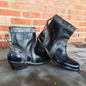Bed|Stü Rustic Denim-like Trim Factory Distressed Cobbler Boots
