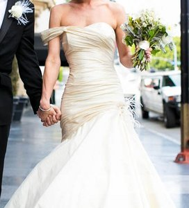 Ines Di Santo One Should Trumpet Gown Wedding Dress