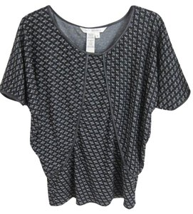 Max Studio Pullover Easy Chic T Shirt Black and white