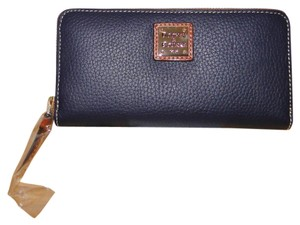 Dooney & Bourke Pebble Leather Lg Zip Around Wallet Clutch
