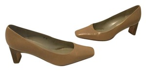 Talbots Wood Square Toe Rectangle Made Spain Tan all leather stack heel Pumps