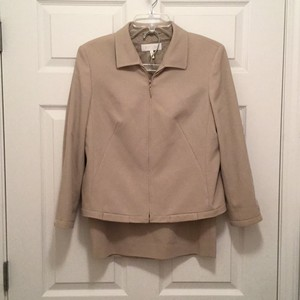 Escada Lightweight 100% Virgin Wool Spring/Summer/Fall