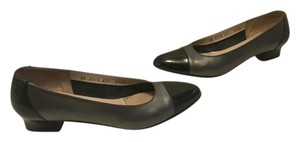 Salvatore Ferragamo Cap Stack Wood Heels Soles Made Italy Narrow Gray leather black patent leather capped toe Italian AA width Pumps