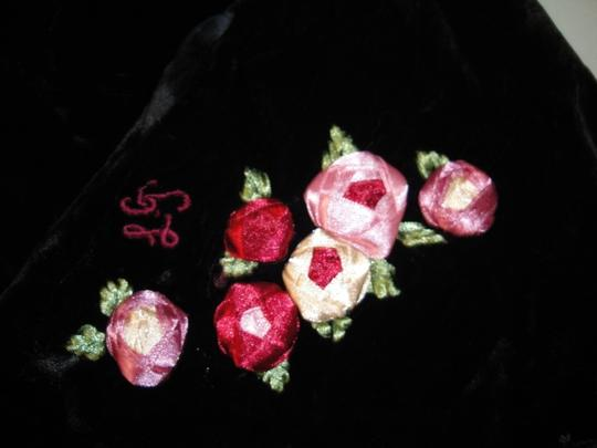 Lulu Guinness Womens Lulu Guiness Life is a Bed of Roses Black Velvet Ribbon Roses Flowers Shawl Scarf Wrap