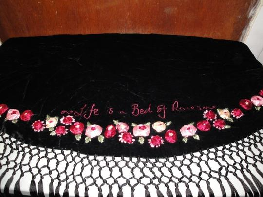 Lulu Guinness Womens Lulu Guiness Life is a Bed of Roses Black Velvet Ribbon Roses Flowers Shawl Scarf Wrap Image 9