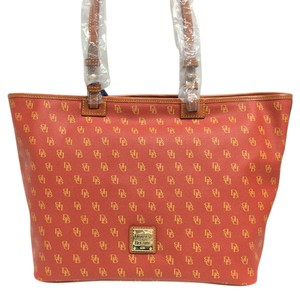 Dooney & Bourke & Gretta Leisure Logo Tote in Red