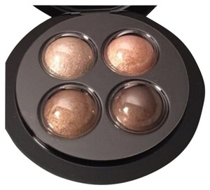 MAC Cosmetics NEW MAC A GLIMMER OF GOLD 4 MINERALIZED COLORS; A GLIMMER OF Gold