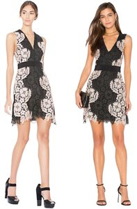 Alice + Olivia V-neck Two-tone Floral Lace Dress