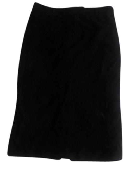 Preload https://img-static.tradesy.com/item/2021381/max-studio-jet-black-suede-pencil-knee-length-skirt-size-10-m-31-0-1-650-650.jpg