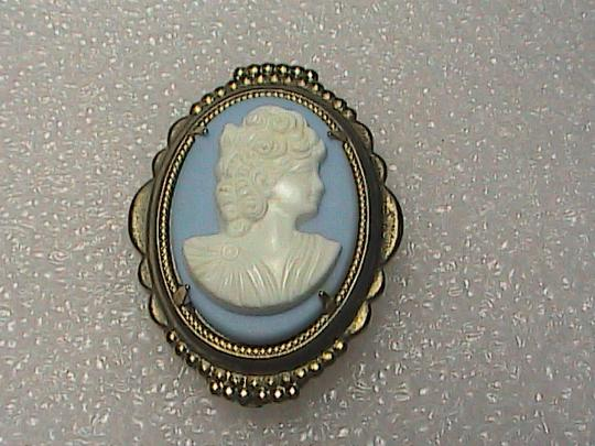 Vintage Blue & White Gold Filled Cameo Brooch Image 1
