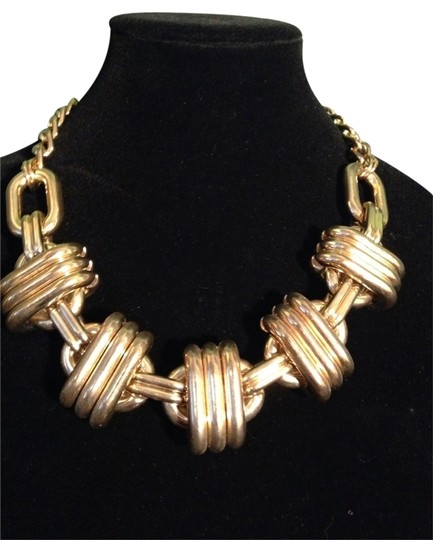 Preload https://img-static.tradesy.com/item/2021412/14th-and-union-gold-large-link-statement-necklace-0-0-540-540.jpg