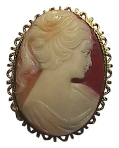 Vintage Gorgeous Cameo Brooch