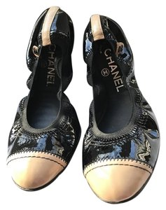 Chanel Black/Beige Flats