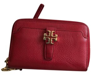 Tory Burch Leather Wristlet in Red