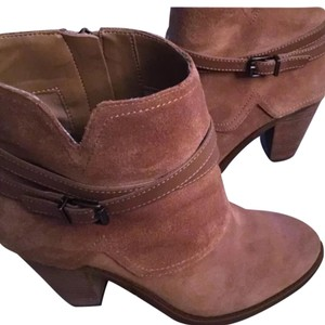 Jessica Simpson Dakota tan Boots