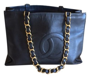 Chanel Leather Vintage Tote in BLACK