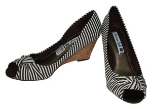 American Eagle Outfitters Striped Wedges