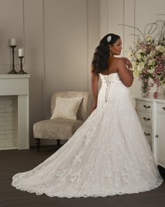 Bonny Bridal 1410 Wedding Dress