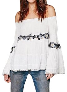 Free People Festival Peasant Banded Elastic Off Swing Embroidery Festival Lace Trim Top Ivory