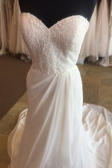 Justin Alexander Ivory Lace Over Ivory Gown with Clear Beading Sweetheart 6149 Dress Size 10 (M)