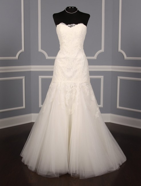 Anne Barge Pearl (Light Ivory) Chantilly Lace and Tulle Hyacinthe Feminine Wedding Dress Size 10 (M) Anne Barge Pearl (Light Ivory) Chantilly Lace and Tulle Hyacinthe Feminine Wedding Dress Size 10 (M) Image 1