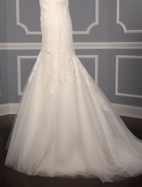 Anne Barge Pearl (Light Ivory) Chantilly Lace and Tulle Hyacinthe Feminine Wedding Dress Size 10 (M) Anne Barge Pearl (Light Ivory) Chantilly Lace and Tulle Hyacinthe Feminine Wedding Dress Size 10 (M) Image 6
