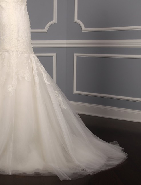 Anne Barge Pearl (Light Ivory) Chantilly Lace and Tulle Hyacinthe Feminine Wedding Dress Size 10 (M) Anne Barge Pearl (Light Ivory) Chantilly Lace and Tulle Hyacinthe Feminine Wedding Dress Size 10 (M) Image 7