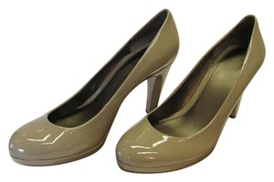 Bandolino Size 9.00 M Patent Very Good Condition Neutral Pumps