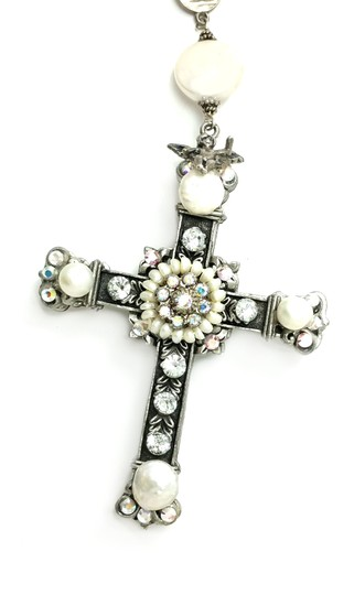 Kinley Sterling silver Rosary Cross Crystal Kinley Necklace in Pearls Image 7