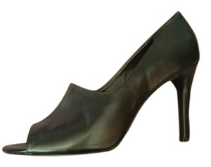 Tahari Sleek Black Pumps