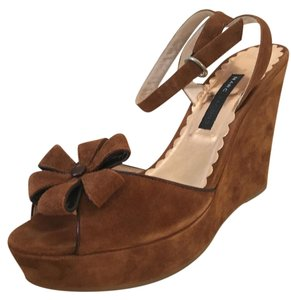 Marc Jacobs Suede Ankle Strap Flower brown Wedges