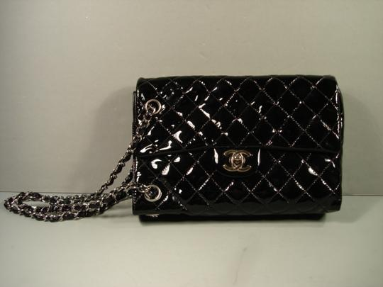 Chanel New Novelty Rare Small Size With Box Shoulder Bag Image 2