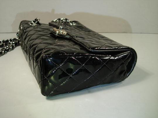Chanel New Novelty Rare Small Size With Box Shoulder Bag Image 3