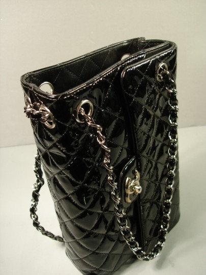 Chanel New Novelty Rare Small Size With Box Shoulder Bag Image 4