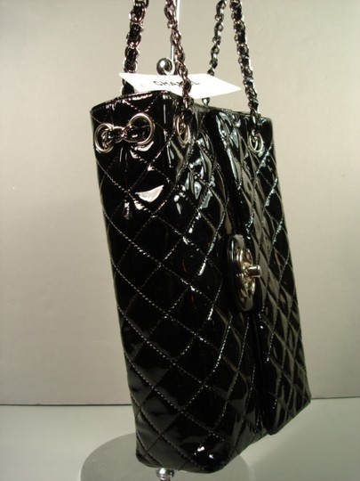 Chanel New Novelty Rare Small Size With Box Shoulder Bag Image 7