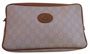 Gucci Great Everyday camel leather/large khaki Gucci Plus logo print on ivory coated canvas Clutch