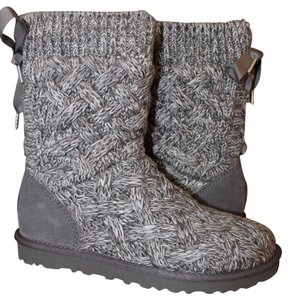fb2ffcf9cda UGG Australia Gray Isla Sweater and Suede Boots/Booties Size US 9 Regular  (M, B) 6% off retail