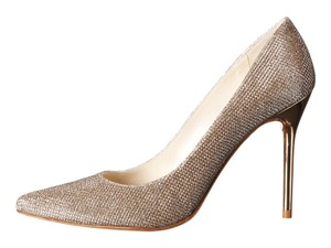 Stuart Weitzman Platinum goldish Pumps