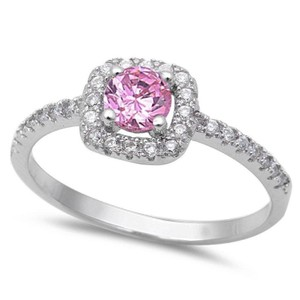 9.2.5 Beautiful pinks and white topaz cocktail ring size 8