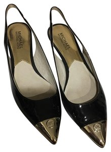 MICHAEL Michael Kors Black and gold Pumps