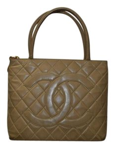 Chanel Lamb Matelasse Louis Vuitton Shoulder Bag
