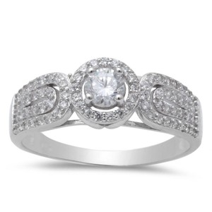 9.2.5 Stunning antique style white sapphire halo cocktail ring size 8