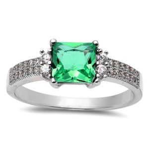 9.2.5 Rare emerald and white sapphire silver ring size 7