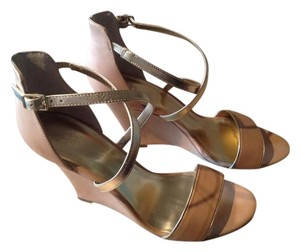 Ann Taylor Classic Camel Sandals