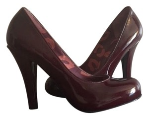 Marc by Marc Jacobs Burgundy Pumps