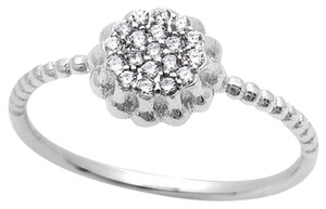 9.2.5 Adorable white topaz flower cluster rope band ring size 6