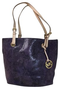 Michael Kors Tote in Purple & Black