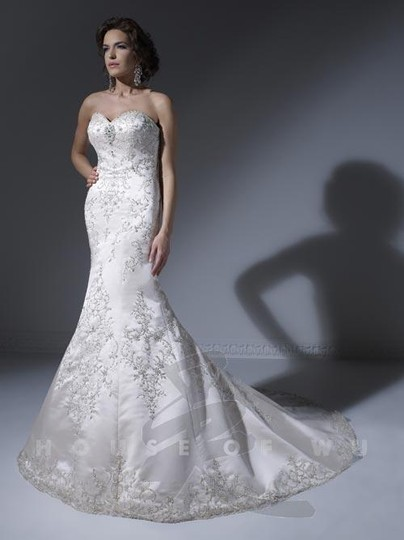 Preload https://img-static.tradesy.com/item/2022999/ivory-18855-formal-wedding-dress-size-6-s-0-0-540-540.jpg