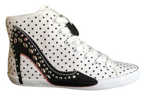 Olo White and black Athletic